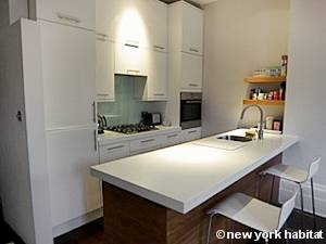 London 2 Bedroom apartment - kitchen (LN-1177) photo 1 of 3