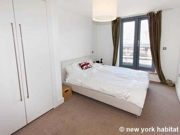 London 2 Bedroom apartment - bedroom 1 (LN-1180) photo 1 of 2