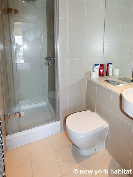 London 2 Bedroom apartment - bathroom 2 (LN-1180) photo 2 of 2