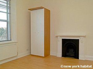 London Studio apartment - living room (LN-1183) photo 1 of 1