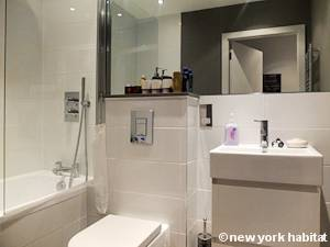London 1 Bedroom accommodation - bathroom (LN-1201) photo 1 of 4