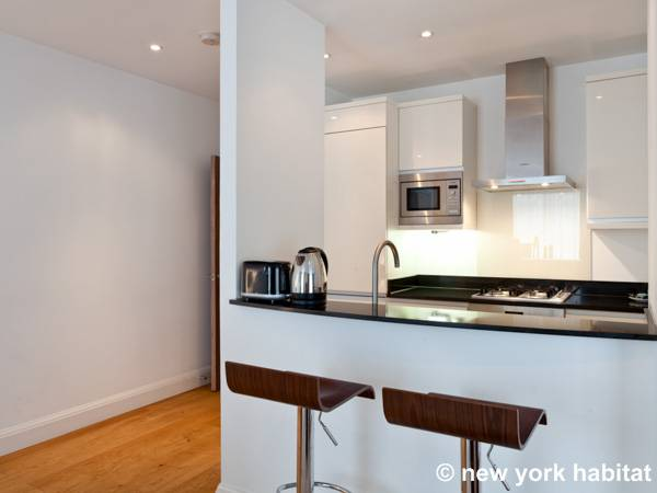 London 3 Bedroom accommodation - kitchen (LN-1261) photo 3 of 3