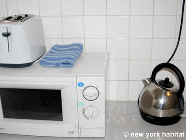 London 1 Bedroom accommodation - kitchen (LN-1268) photo 1 of 5