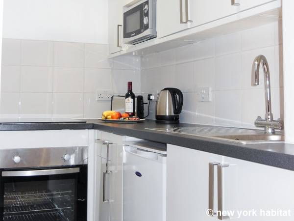 London 1 Bedroom apartment - kitchen (LN-1449) photo 2 of 2