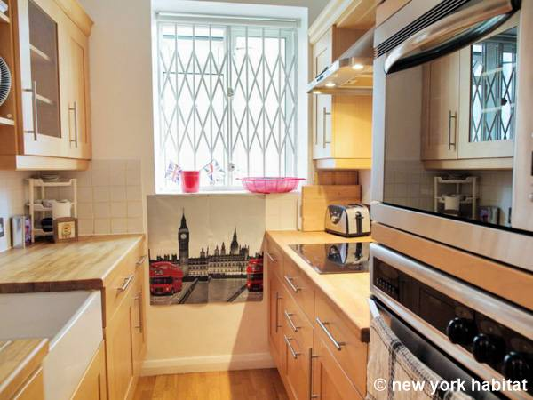 London 2 Bedroom apartment - kitchen (LN-1474) photo 2 of 3