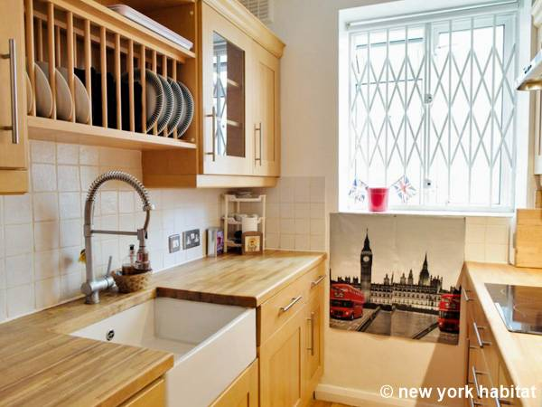 London 2 Bedroom apartment - kitchen (LN-1474) photo 1 of 3