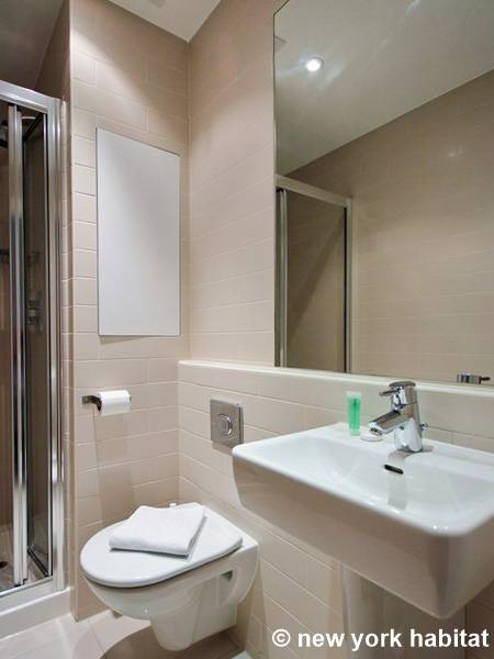 London 1 Bedroom apartment - bathroom (LN-1504) photo 1 of 1