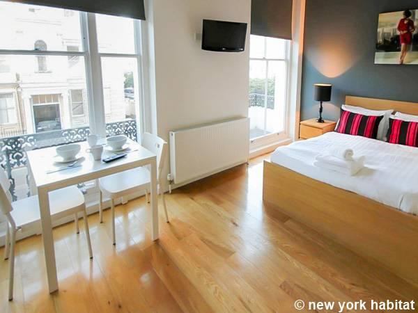 London Apartment: Studio Apartment Rental in Notting Hill (LN-1580)