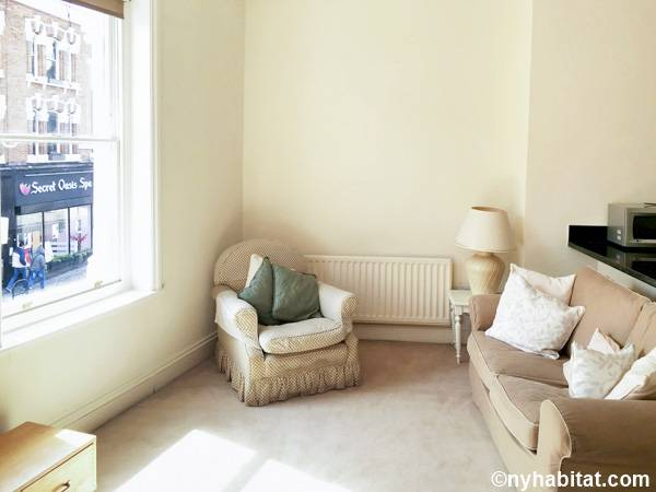 London 1 Bedroom apartment - living room (LN-1687) photo 2 of 6