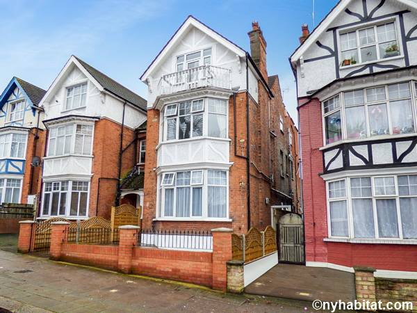 London 1 Bedroom - Townhouse apartment - other (LN-1703) photo 1 of 1