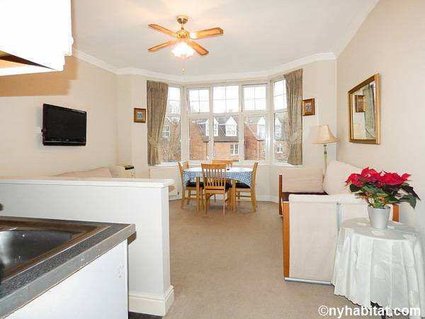 London 1 Bedroom - Townhouse apartment - living room (LN-1703) photo 1 of 2