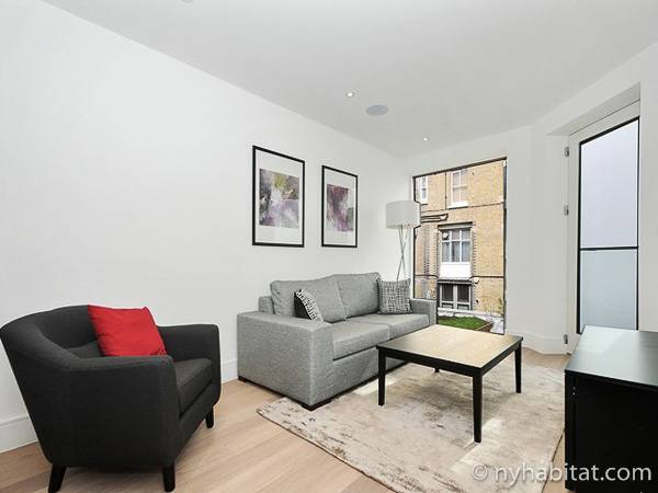 London 1 Bedroom accommodation - living room (LN-1865) photo 2 of 2