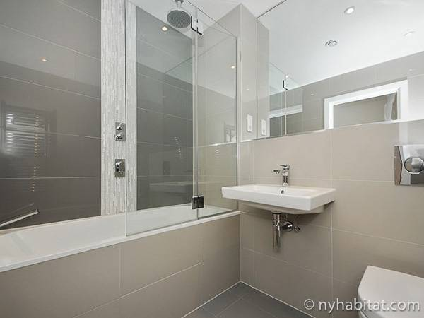 London 1 Bedroom accommodation - bathroom (LN-1865) photo 1 of 1