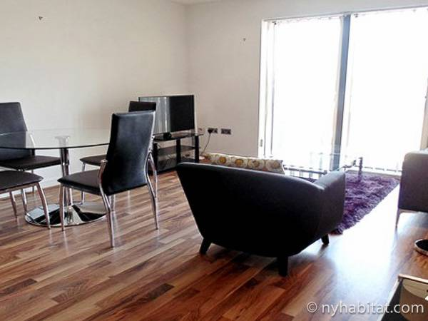 London 1 Bedroom accommodation - living room (LN-1892) photo 4 of 4