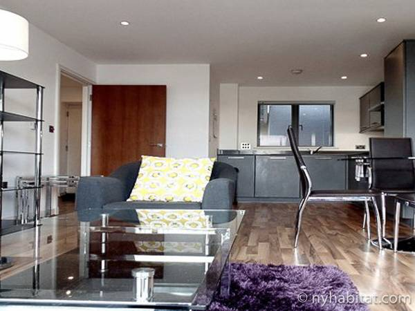 London 1 Bedroom accommodation - living room (LN-1892) photo 2 of 4