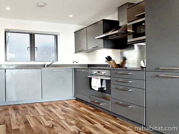 London 1 Bedroom accommodation - kitchen (LN-1892) photo 1 of 1