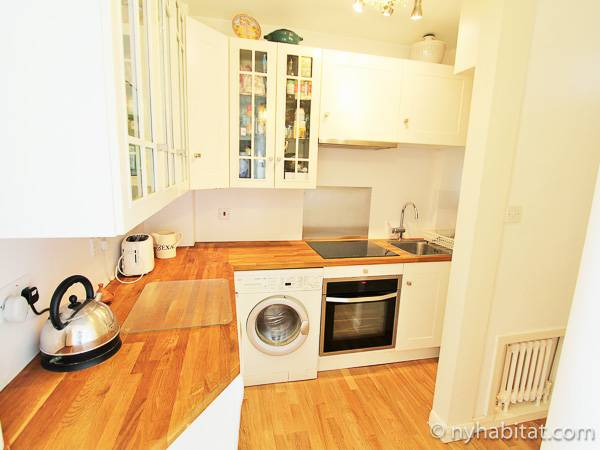 London 2 Bedroom apartment - kitchen (LN-1914) photo 1 of 3