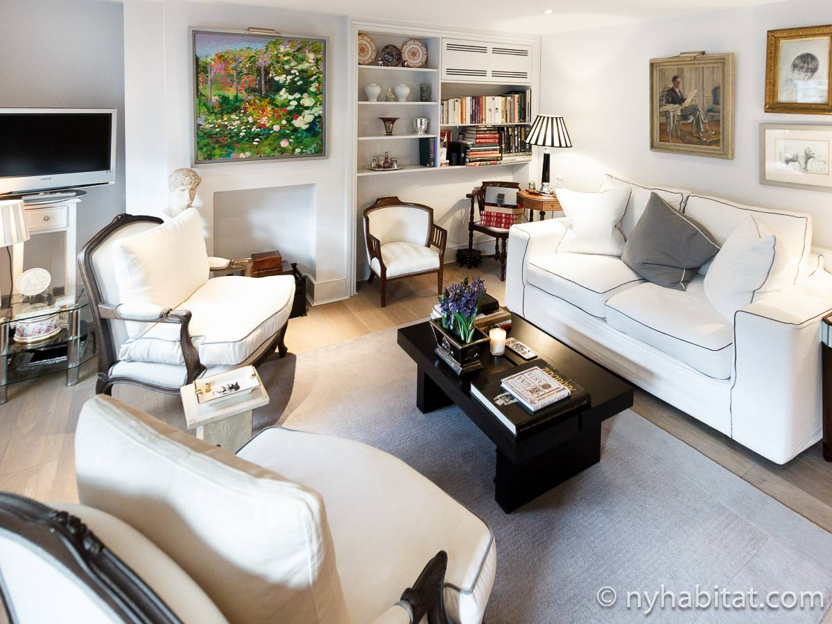 London 1 Bedroom - Duplex apartment - living room (LN-1918) photo 2 of 6