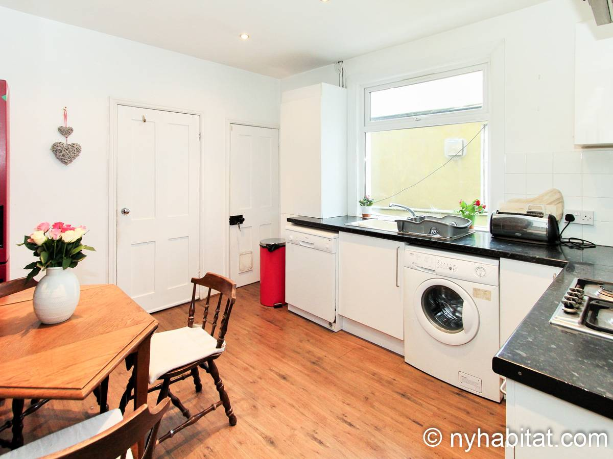 London 3 Bedroom - Duplex apartment - kitchen (LN-1951) photo 1 of 4