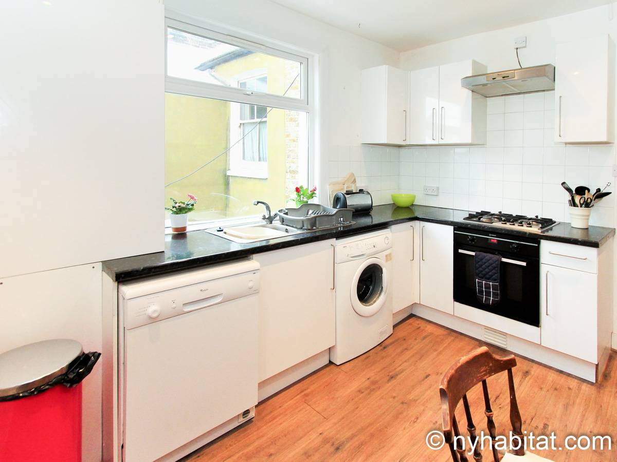 London 3 Bedroom - Duplex apartment - kitchen (LN-1951) photo 2 of 4