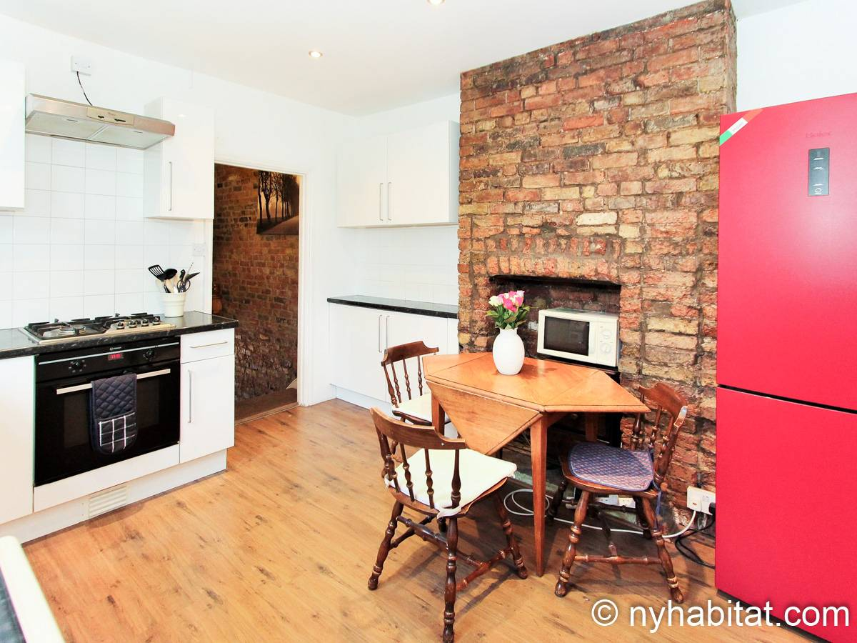 London 3 Bedroom - Duplex apartment - kitchen (LN-1951) photo 4 of 4