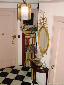 New York 3 Bedroom - Duplex roommate share apartment - living room (NY-11) photo 17 of 18