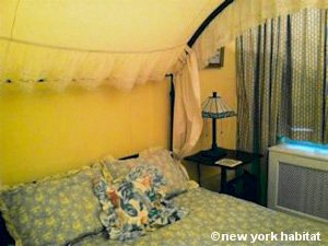New York 3 Bedroom - Duplex roommate share apartment - bedroom 1 (NY-11) photo 2 of 6