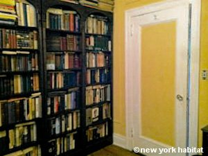 New York 3 Bedroom - Duplex roommate share apartment - bedroom 1 (NY-11) photo 6 of 6