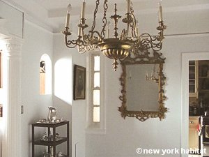 New York 3 Bedroom - Duplex roommate share apartment - living room (NY-11) photo 16 of 18