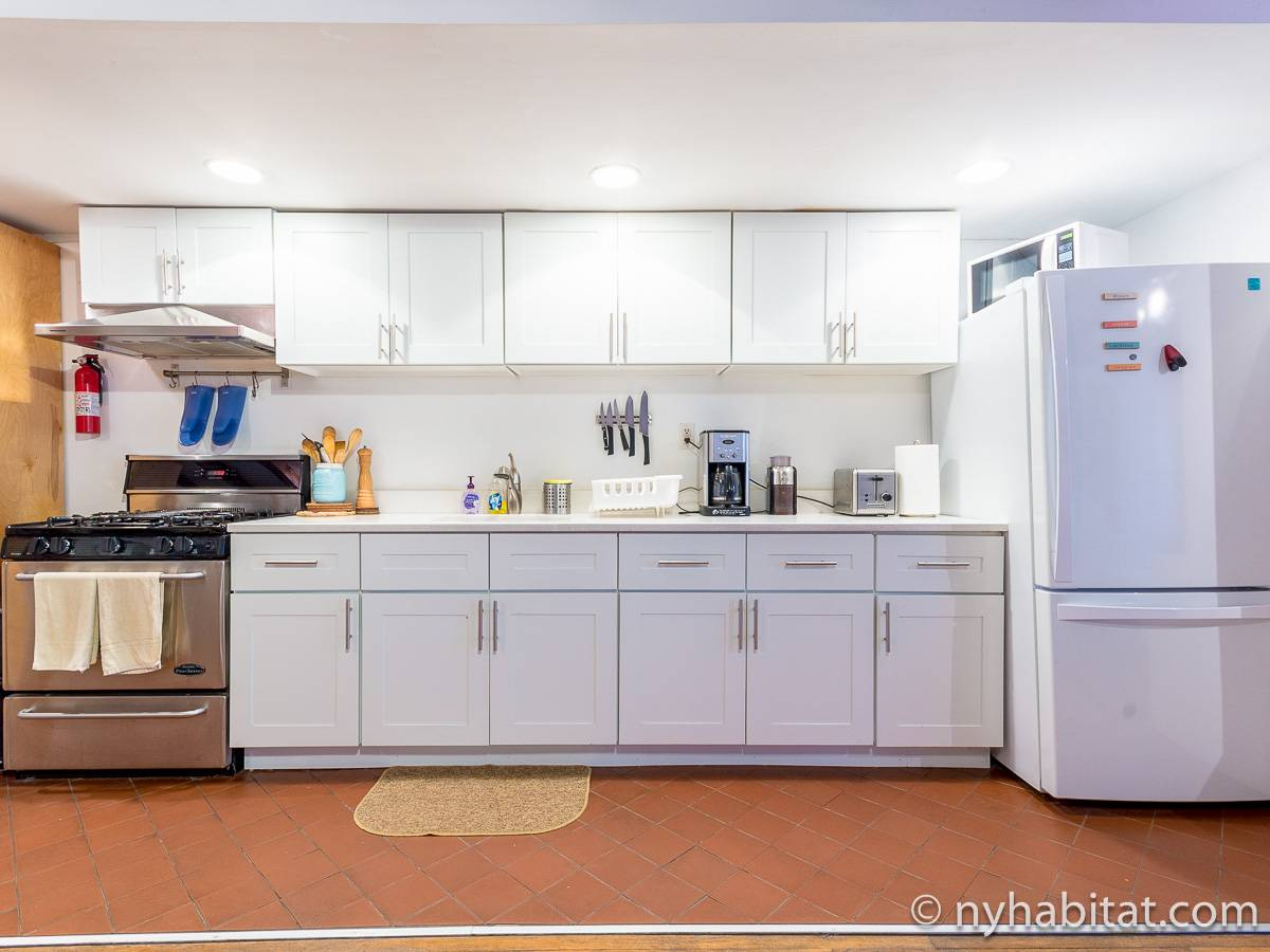 Studio Apartment Kitchen new york apartment: studio apartment rental in williamsburg (ny-10856)