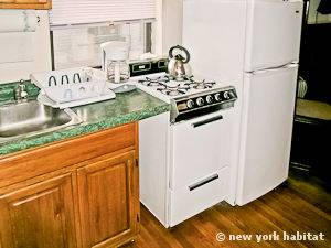 New York 2 Bedroom apartment - kitchen (NY-11137) photo 4 of 4