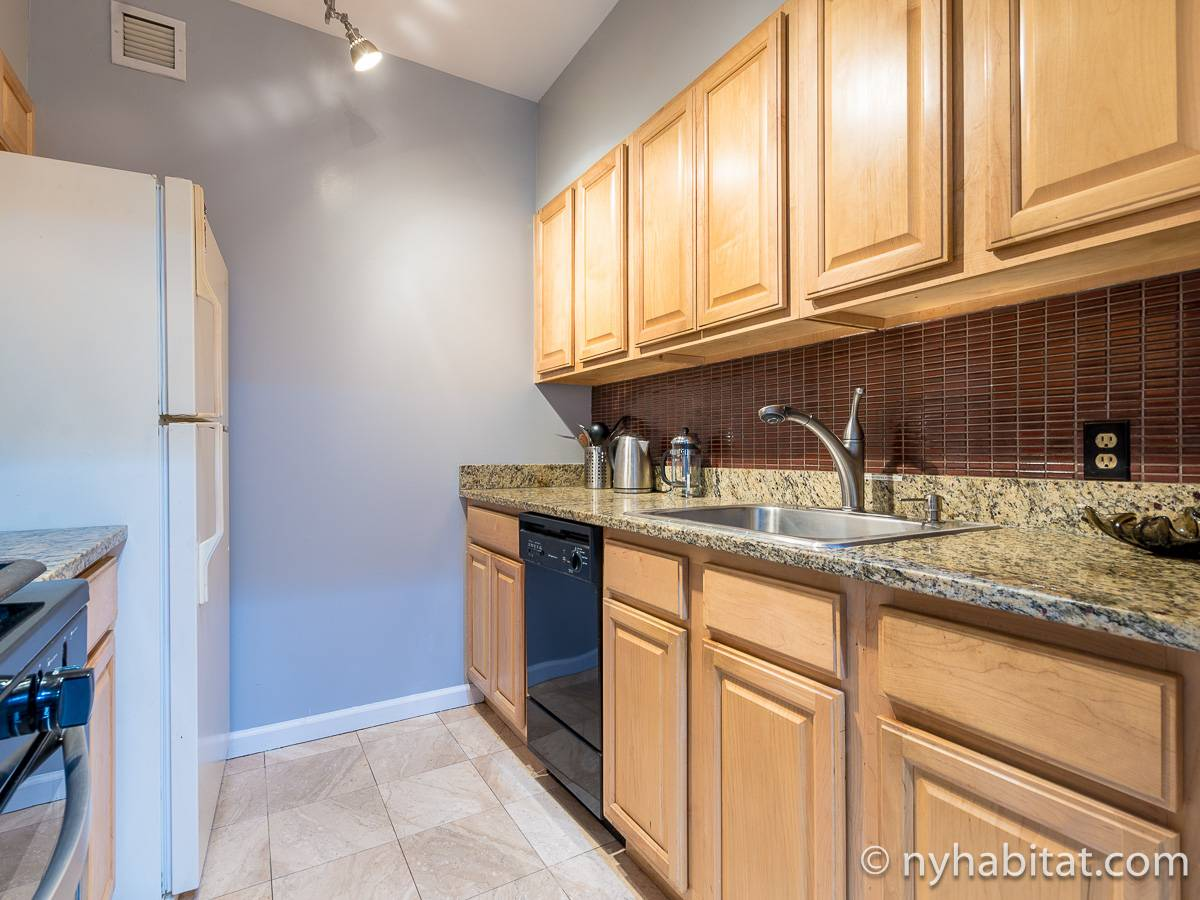 New York 3 Bedroom roommate share apartment - kitchen (NY-11228) photo 3 of 3