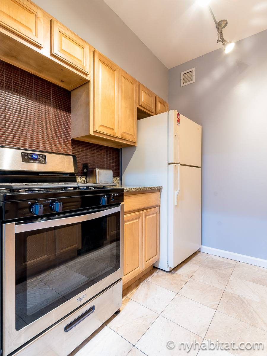 New York 3 Bedroom roommate share apartment - kitchen (NY-11228) photo 2 of 3