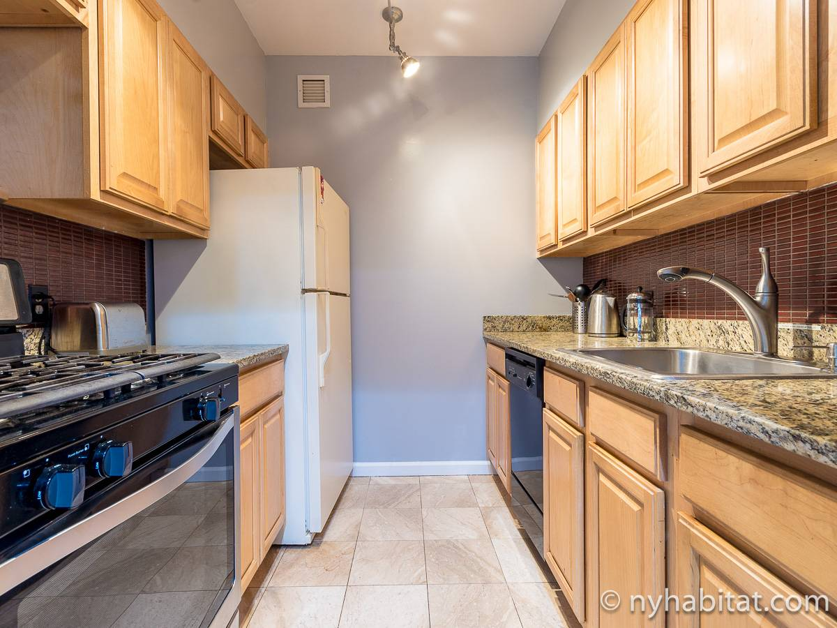 New York 3 Bedroom roommate share apartment - kitchen (NY-11228) photo 1 of 3