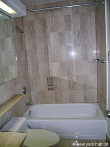 New York T2 logement location appartement - salle de bain (NY-11945) photo 1 sur 2