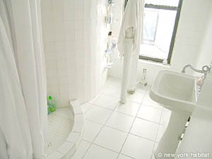 New York 5 Bedroom roommate share apartment - bathroom (NY-12153) photo 2 of 3