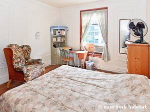 New York 5 Bedroom roommate share apartment - bedroom 1 (NY-12231) photo 2 of 4