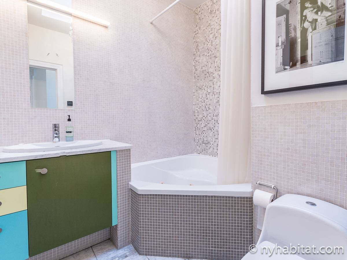 New York T3 - Duplex appartement location vacances - salle de bain 1 (NY-12274) photo 1 sur 5