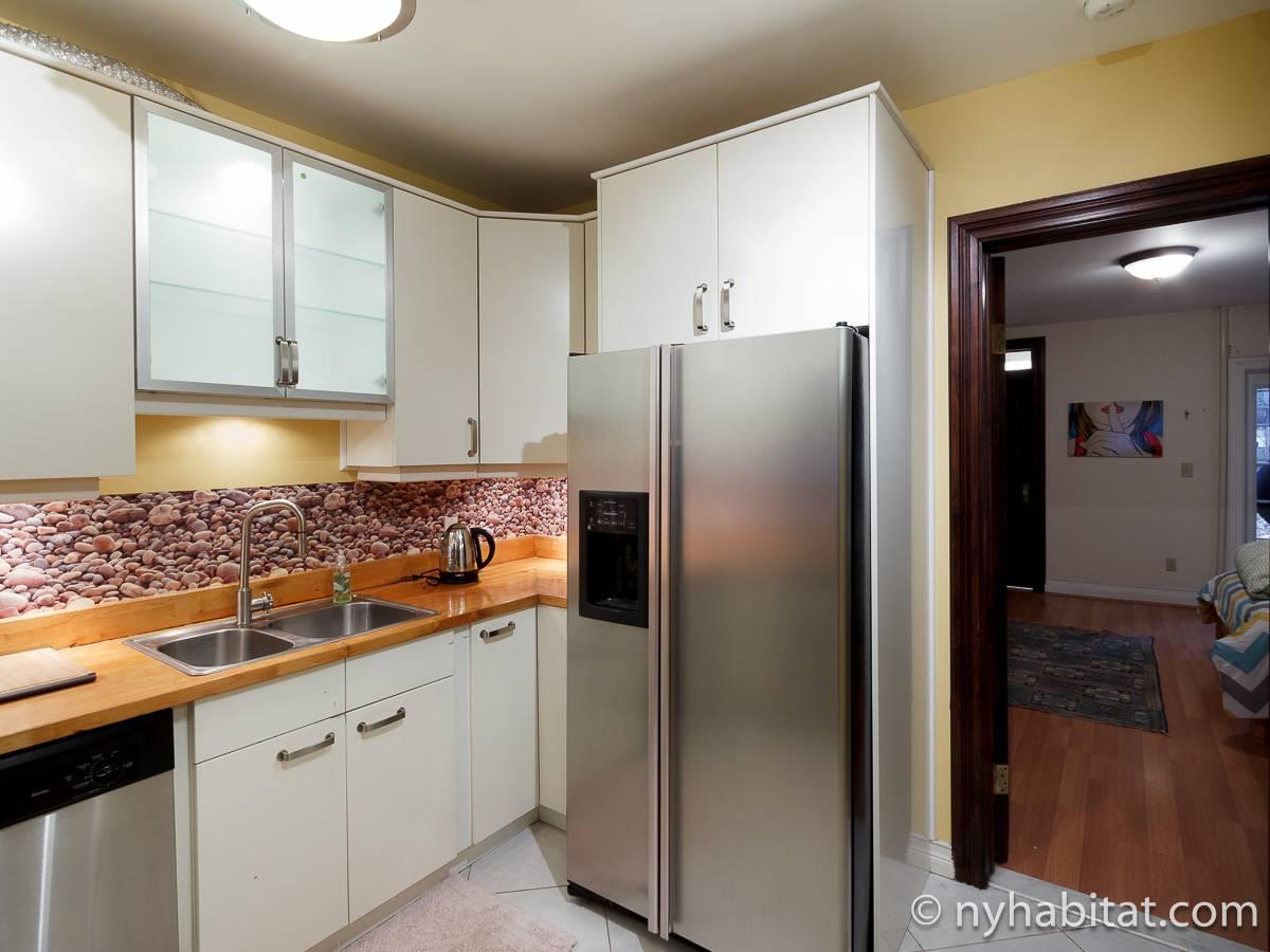 wohnungsvermietung in new york 2 zimmer harlem ny 12363. Black Bedroom Furniture Sets. Home Design Ideas