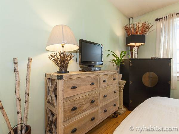 New York 1 Bedroom accommodation bed breakfast - bedroom (NY-12474) photo 2 of 4