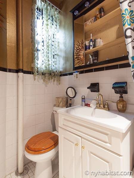 New York 1 Bedroom accommodation bed breakfast - bathroom (NY-12474) photo 2 of 2