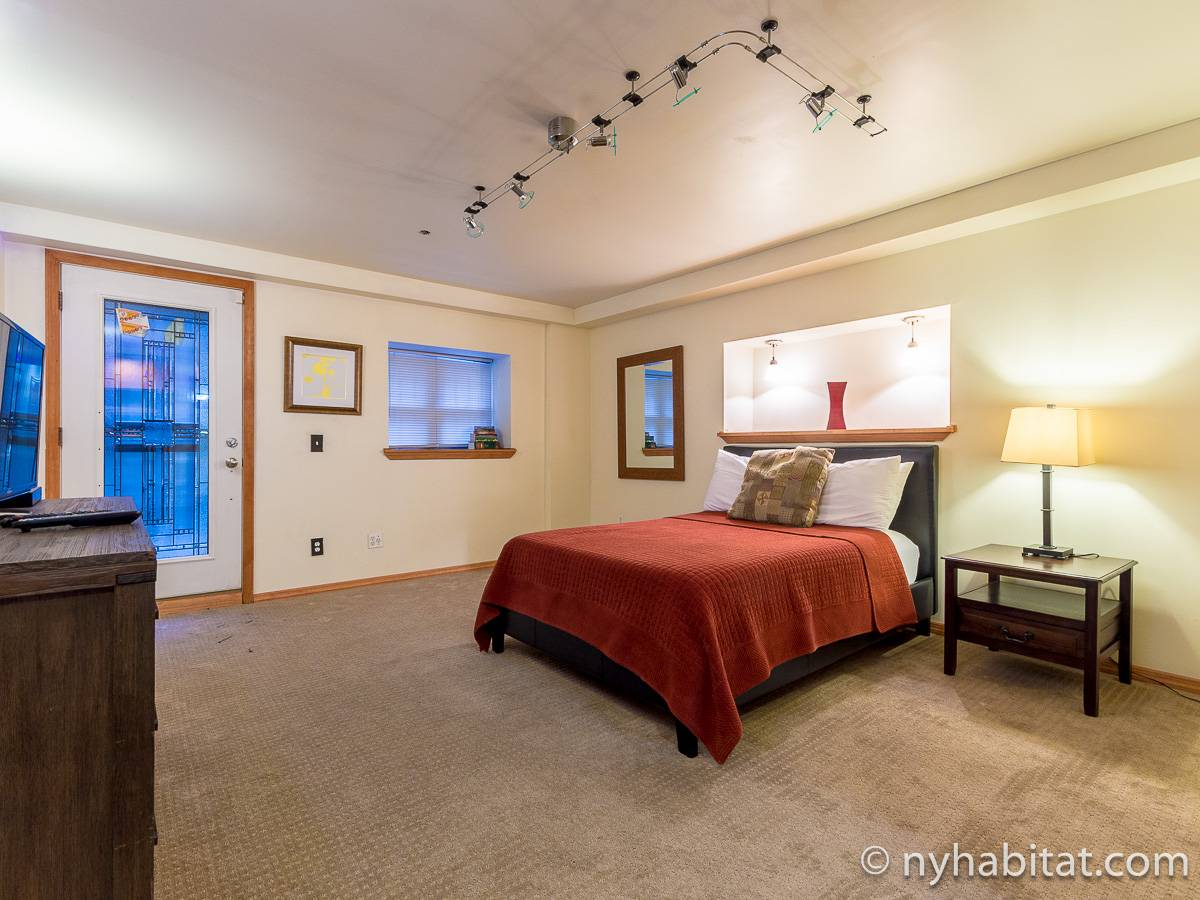 new york 2 bedroom duplex apartment bedroom 2 ny 12546 photo 1