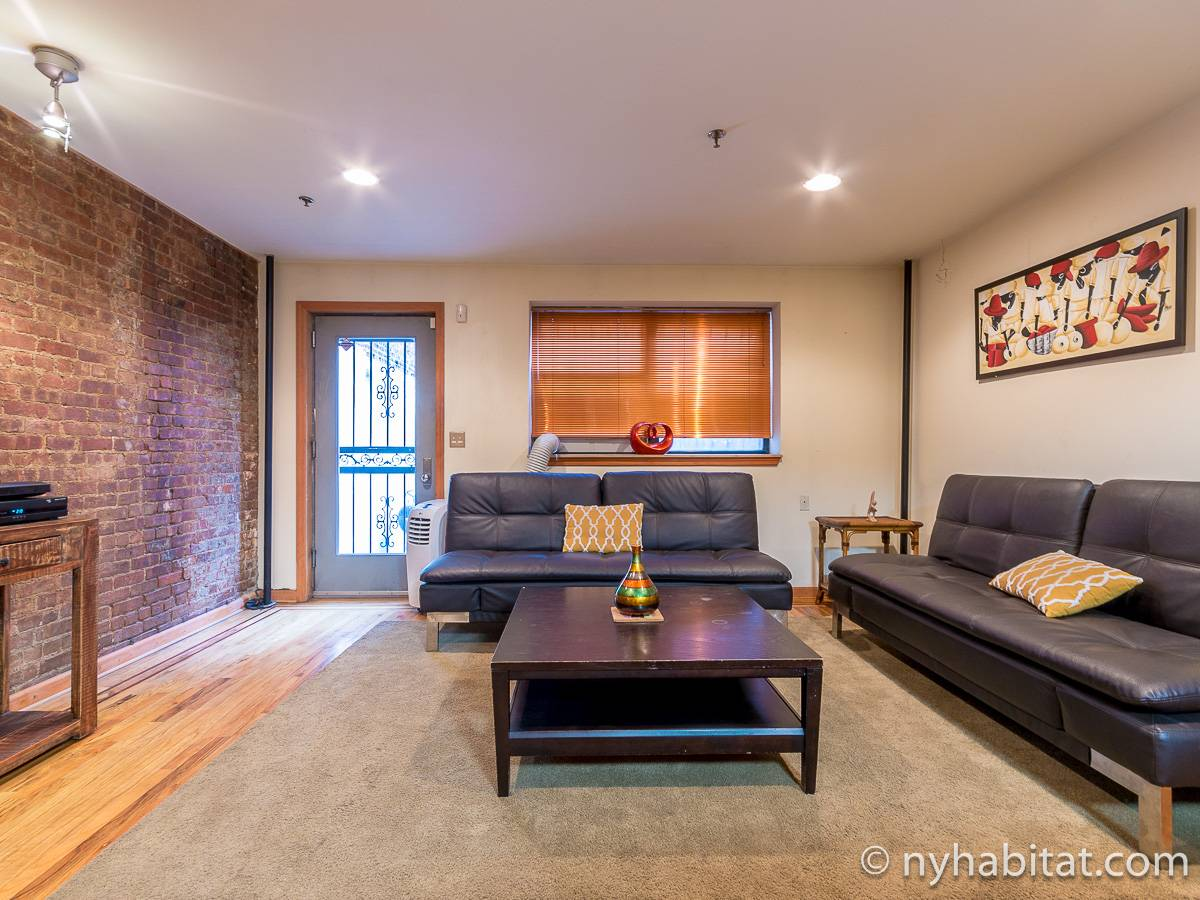 new york 2 bedroom duplex apartment living room ny 12546 photo 2