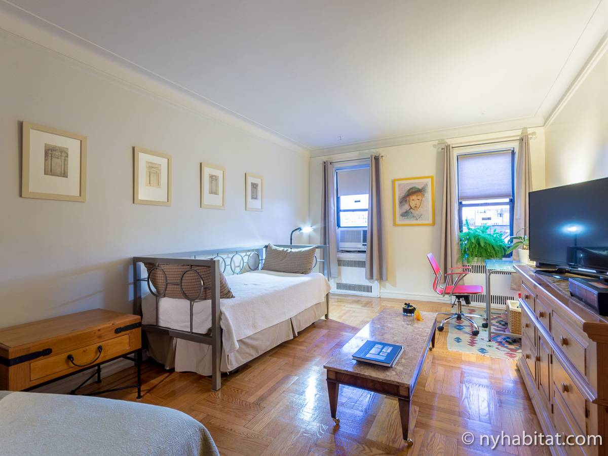 New York Roommate Room For Rent In Sunnyside Queens Bedroom - Bedroom furniture queens ny