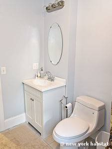 New York 3 Bedroom - Duplex accommodation - bathroom 2 (NY-12670) photo 1 of 3