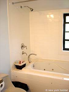 New York 3 Bedroom - Duplex accommodation - bathroom 1 (NY-12670) photo 1 of 6