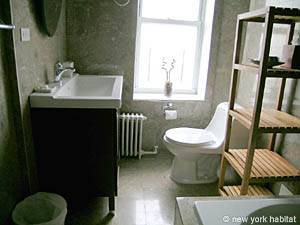 New York 2 Bedroom accommodation - bathroom 1 (NY-12888) photo 1 of 2