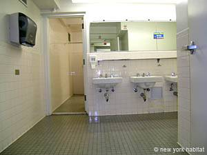 New York T2 appartement colocation - salle de bain 1 (NY-14073) photo 2 sur 4