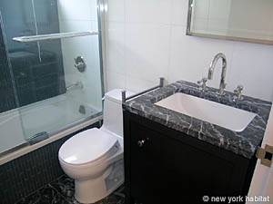 New York T2 logement location appartement - salle de bain (NY-14130) photo 2 sur 2