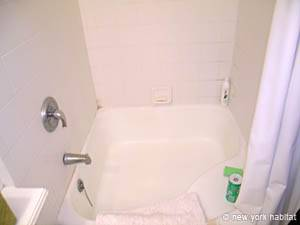 New York T2 appartement colocation - salle de bain (NY-14144) photo 3 sur 3